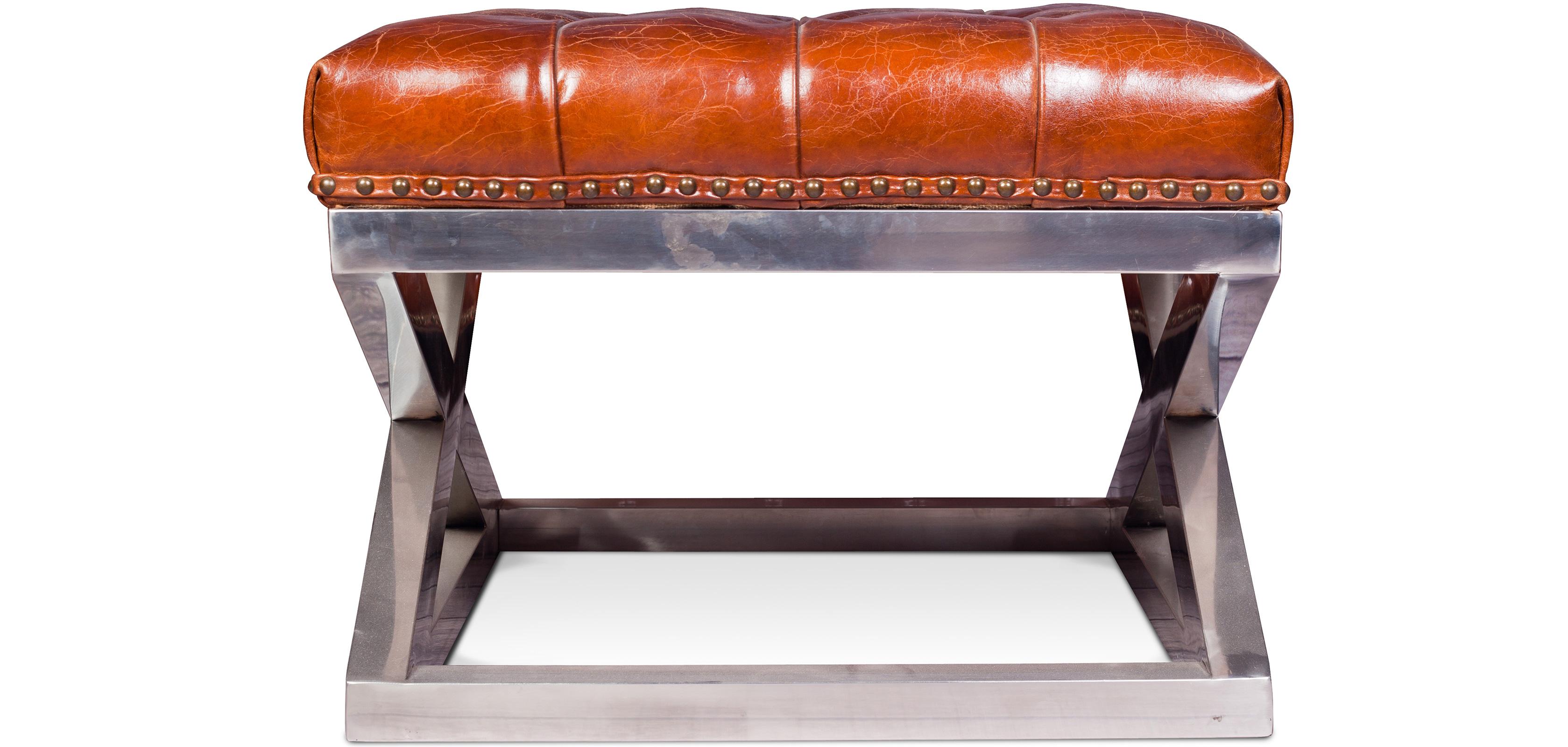 petit ottoman capitonn churchill cuir premium. Black Bedroom Furniture Sets. Home Design Ideas